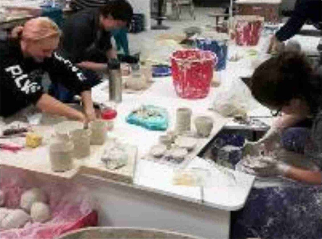 adult-pottery-classes-1024x759
